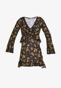 Missguided Petite - FLORAL WRAP FRILL MINI DRESS - Kjole - black - 4