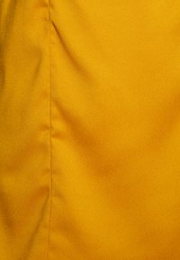 Missguided Petite - TIE BACK CAMI DRESS - Kjole - mustard - 2