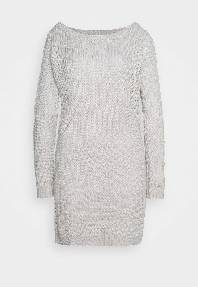 AYVAN OFF SHOULDER JUMPER DRESS - Sukienka dzianinowa - light grey