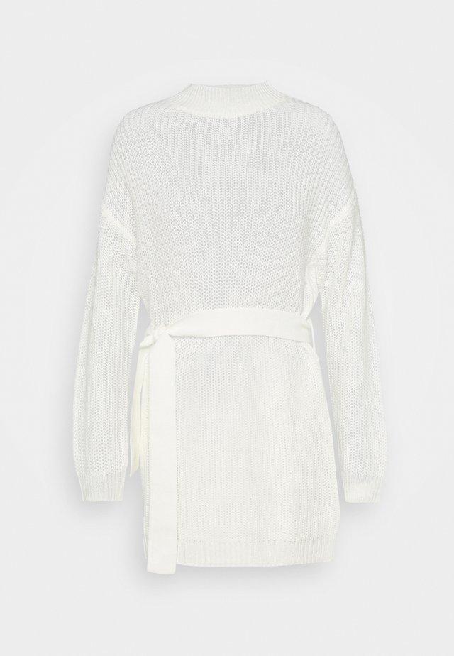BASIC DRESS WITH BELT - Gebreide jurk - off white