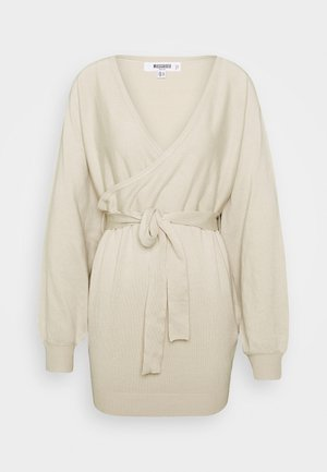 WRAP BATWING BELTED MINI DRESS - Robe pull - stone