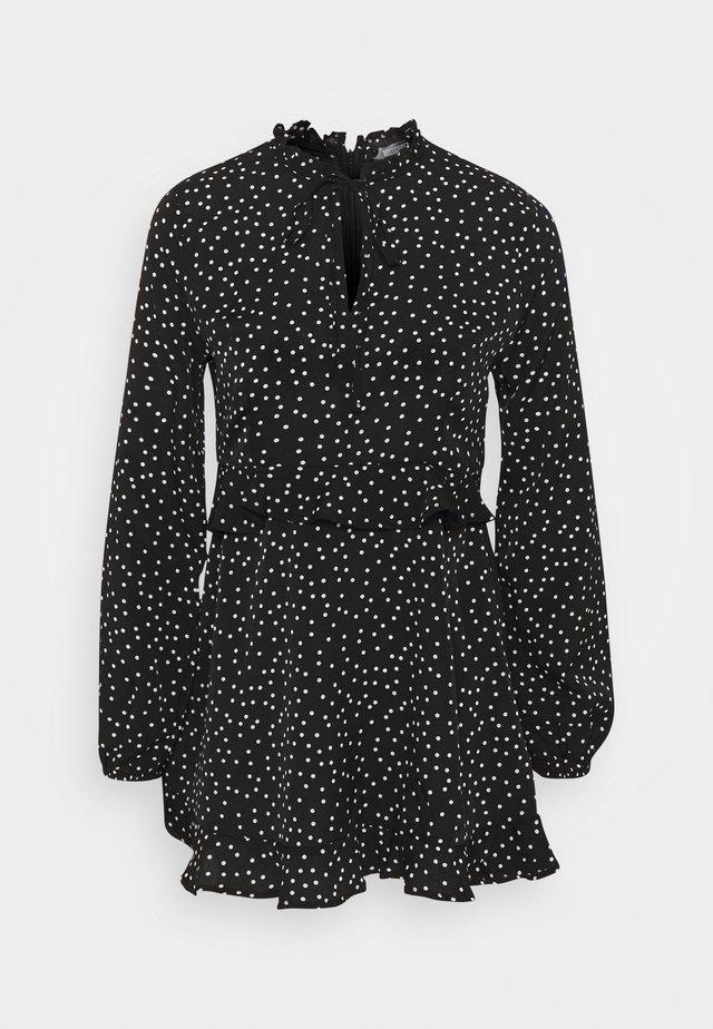 HIGH NECK FRILL WAIST TEA DRESS POLKA - Sukienka letnia - black