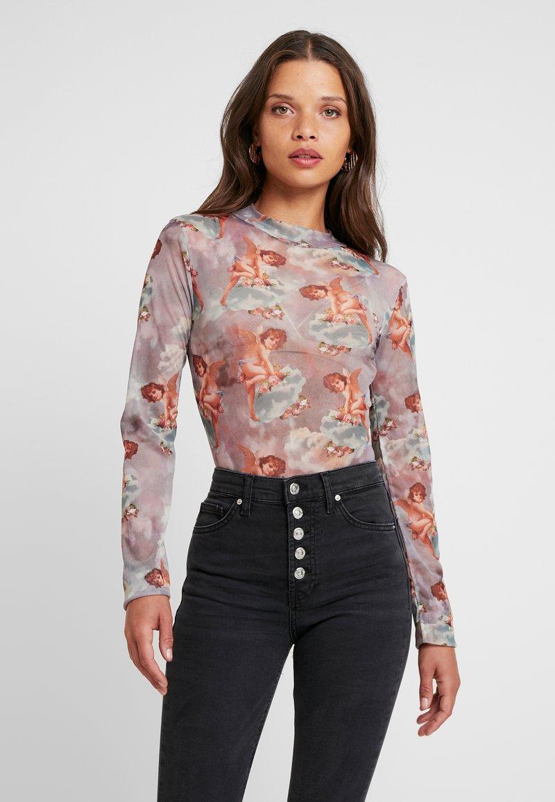Missguided Petite - FLORAL CHERUB PRINT BODYSUIT - Long sleeved top - pink