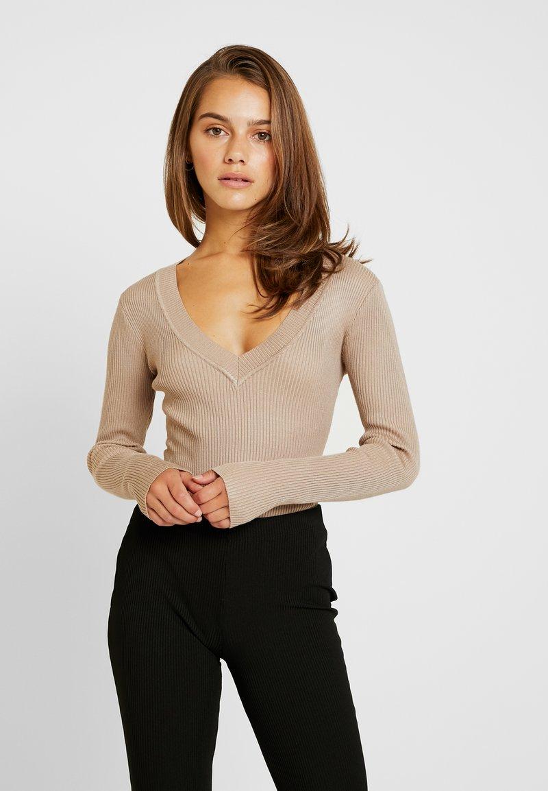 Missguided Petite - PLUNGE V NECK - Bluzka z długim rękawem - sand
