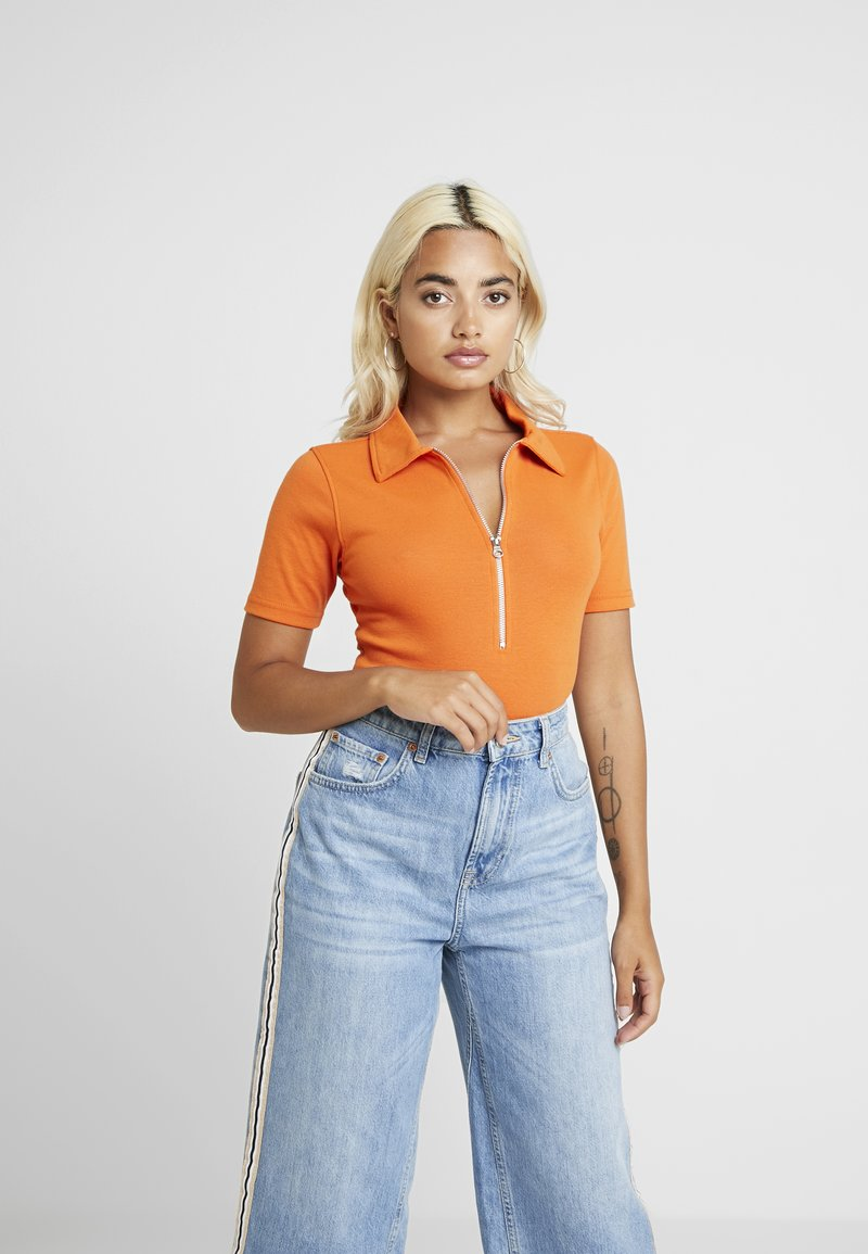 Missguided Petite - ZIP UP POLO BODYSUIT - Triko s potiskem - flame