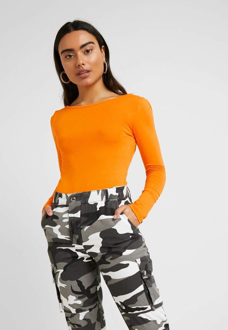 Missguided Petite - LONG SLEEVE LOW BACK BODYSUIT 2 PACK - T-shirt à manches longues - orange/black