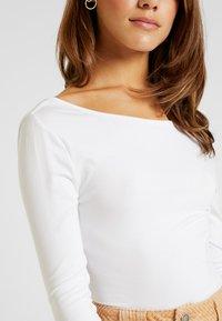 Missguided Petite - LONG SLEEVE LOW BACK BODYSUIT 2 PACK - T-shirt à manches longues - black/white - 4
