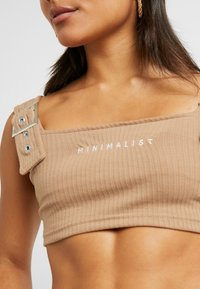Missguided Petite - CAMI BUCKLE CROP - Topper - camel - 4