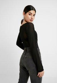 Missguided Petite - LONG SLEEVED BODYSUIT - T-shirt à manches longues - black - 2