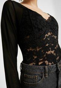 Missguided Petite - LONG SLEEVED BODYSUIT - T-shirt à manches longues - black - 5