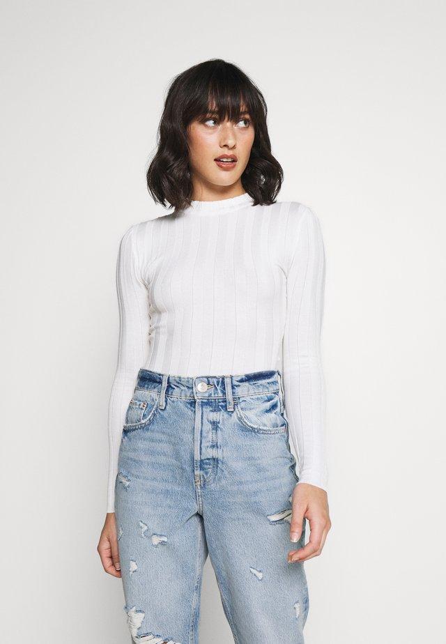 EXTREME CREW NECK BODYSUIT - Sweter - white