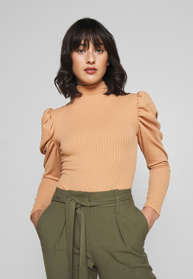 RIBBED PUFF SLEEVE HIGH NECK - Long sleeved top - camel