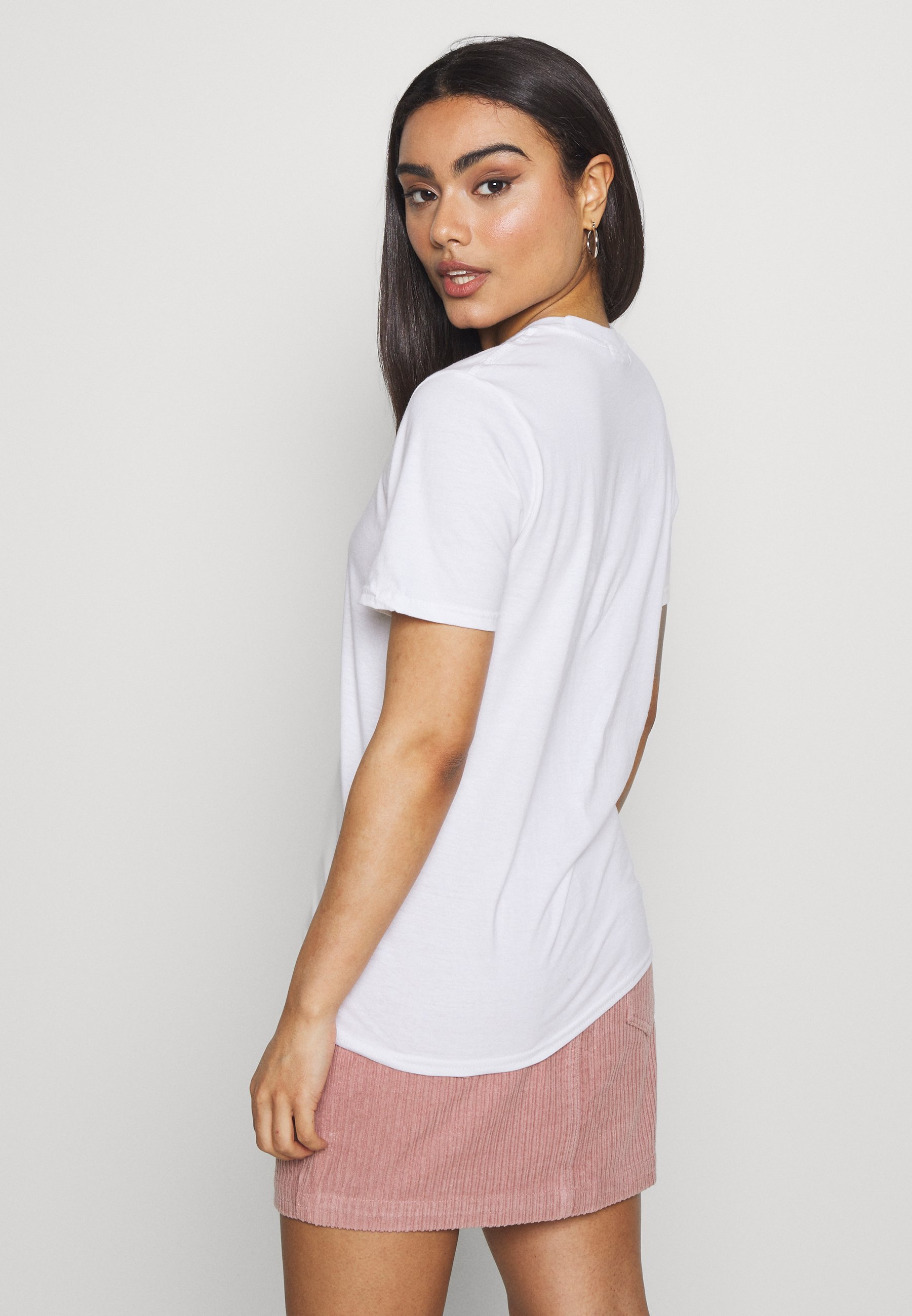 Missguided Petite ALRIGHT PETAL ROSE - T-shirts med print - white