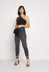 Missguided Petite - DOUBLE STRAP ONE SHOULDER - Topper - black - 1