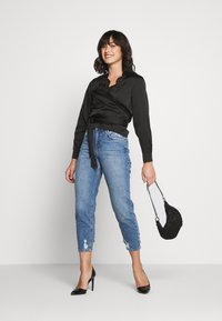 Missguided Petite - TRIM TIE FRONT BLOUSE - Blusa - black - 1