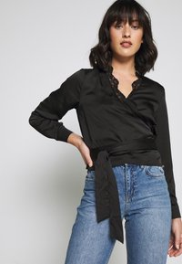 Missguided Petite - TRIM TIE FRONT BLOUSE - Blusa - black - 3