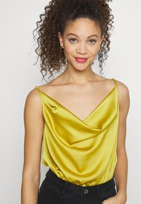 Missguided Petite - COWL NECK BODYSUIT - Topper - yellow - 4