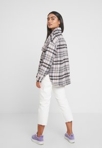 Missguided Petite - BRUSHED CHECK TRUCKER JACKET - Tunn jacka - purple - 2