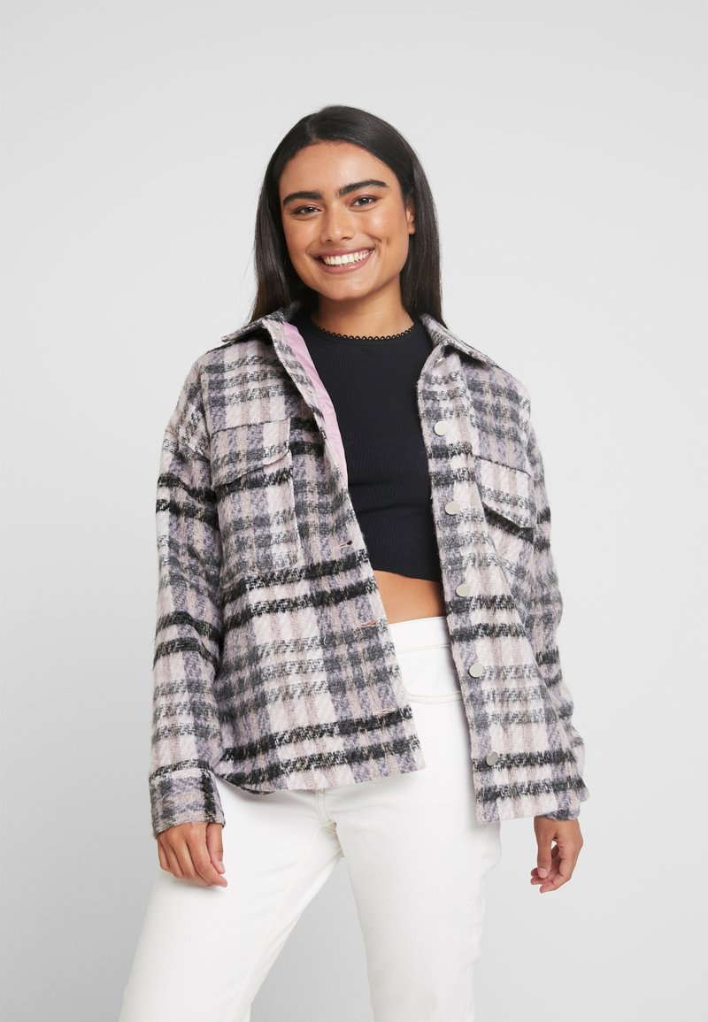 Missguided Petite - BRUSHED CHECK TRUCKER JACKET - Tunn jacka - purple