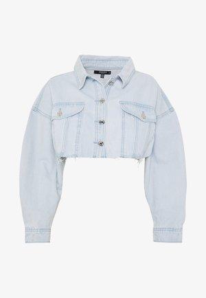 CROPPED RAW HEM OVERSIZED JACKET - Giacca di jeans - light blue