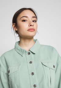 Missguided Petite - CROPPED RAW JACKET - Denim jacket - mint - 3