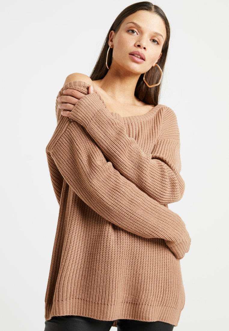 Missguided Petite - OPHELITA OFF SHOULDER KNITTED  - Pullover - camel