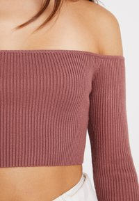 Missguided Petite - SQUARE NECK CROPPED - Strickpullover - mocha - 5