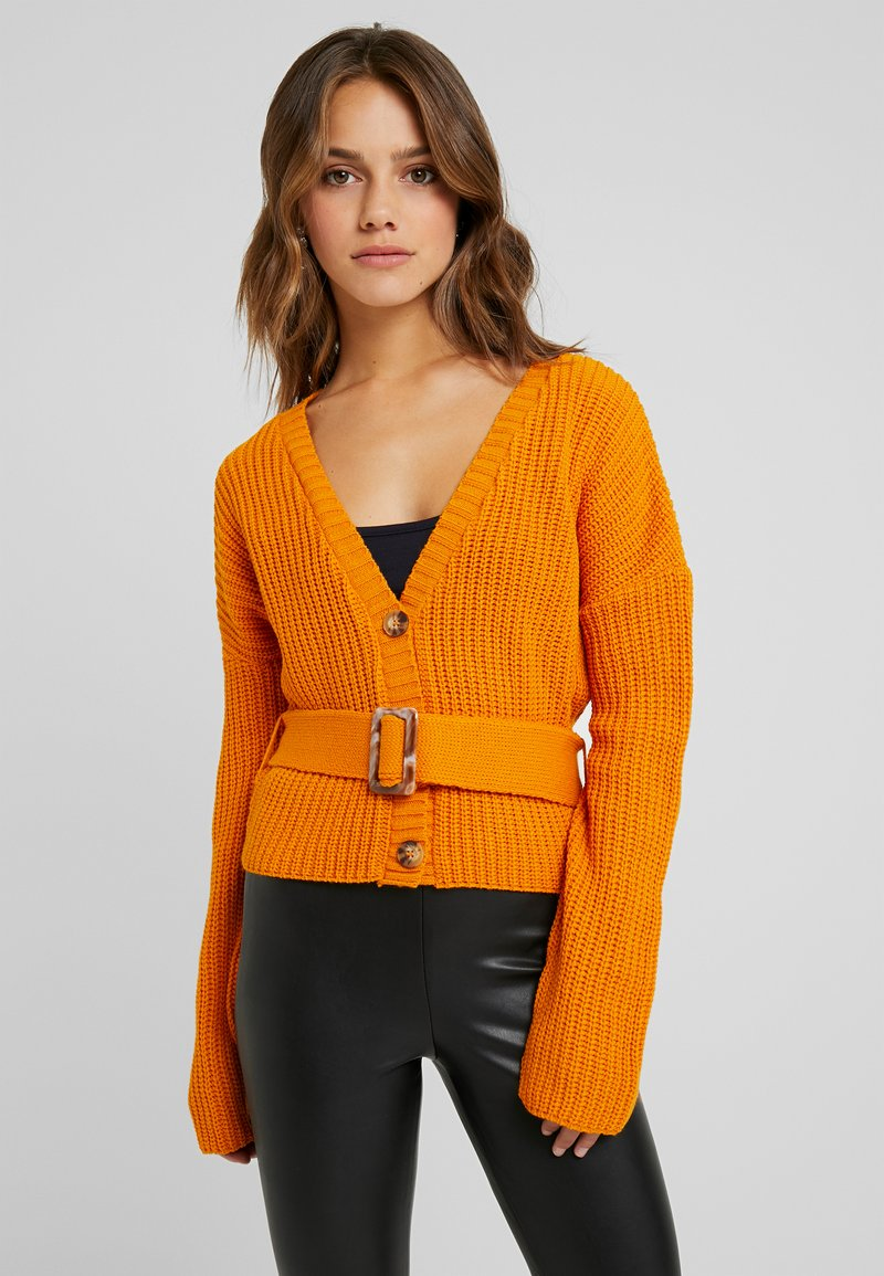 Missguided Petite - SHORT BELTED CARDIGAN - Strickjacke - orange