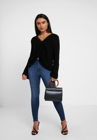 Missguided Petite - RUCHED FRONT JUMPER - Trui - black - 1