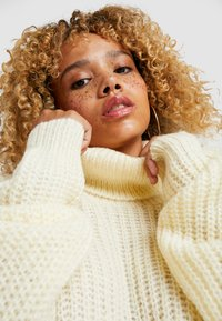 Missguided Petite - ROLL NECK JUMPER - Strickpullover - white - 6