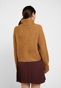 Missguided Petite - ROLL NECK BATWING JUMPER - Jumper - camel - 2