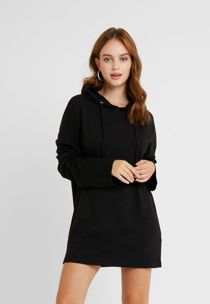 Missguided Petite - SLIM FIT HOODIE DRESS - Vapaa-ajan mekko - black