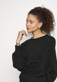Missguided Petite - EMBROIDERED - Sweater - black - 3