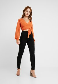 Missguided Petite - VICE HIGH WAISTED - Jeans Skinny - black - 1