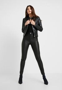 Missguided Petite - VICE HIGH WAISTED COATED - Kangashousut - black - 1