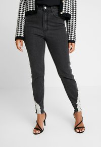 Missguided Petite - SINNER RIP KEY SHOUT - Jeans Skinny Fit - washed black - 0