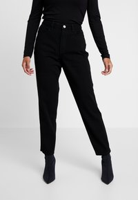 Missguided Petite - RIOT HIGH WAISTED MOM - Jeans Relaxed Fit - black denim - 0