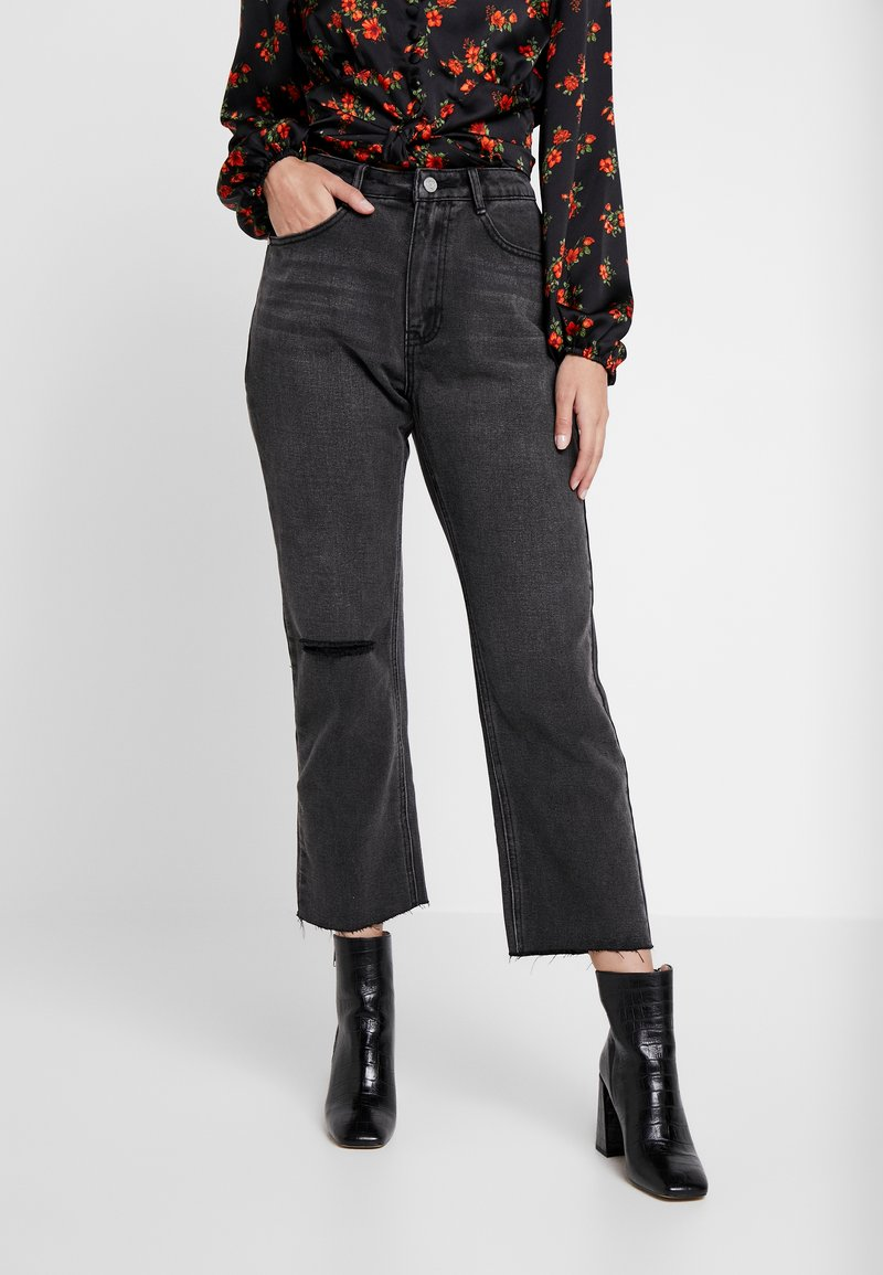 Missguided Petite - WRATH HIGH WAISTED DOUBLE SLIT RIP - Jeansy Straight Leg - washed grey