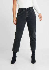 Missguided Petite - WRATH BUTTON FLY - Straight leg jeans - black - 0