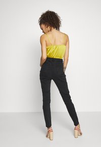 Missguided Petite - AUTHENTIC RIPPED  - Jeans Skinny Fit - black - 2