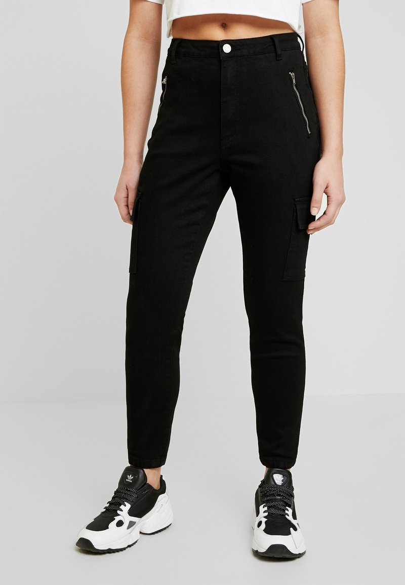 Missguided Petite - SKINNY POCKET CARGO JEAN - Vaqueros pitillo - black