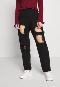 Missguided Petite - RIOT HIGH RISE EXTREME RIPPED MOM JEANS - Jeans Relaxed Fit - black - 0