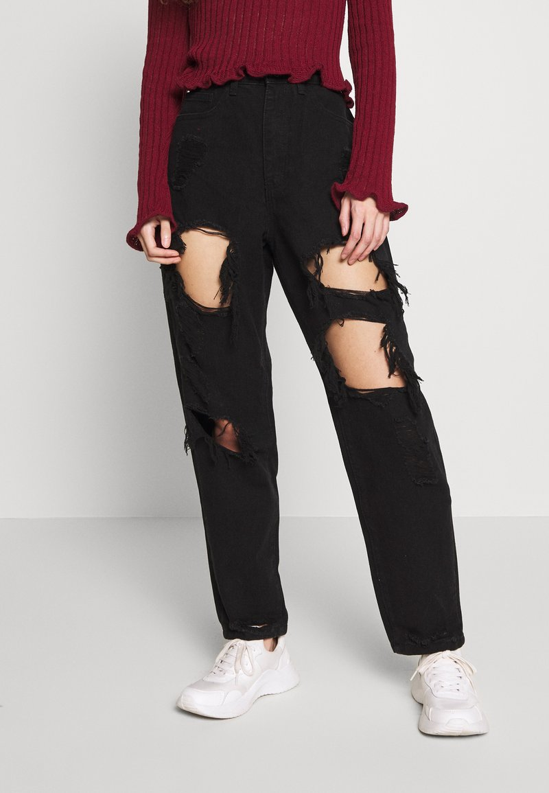Missguided Petite - RIOT HIGH RISE EXTREME RIPPED MOM JEANS - Jeans Relaxed Fit - black