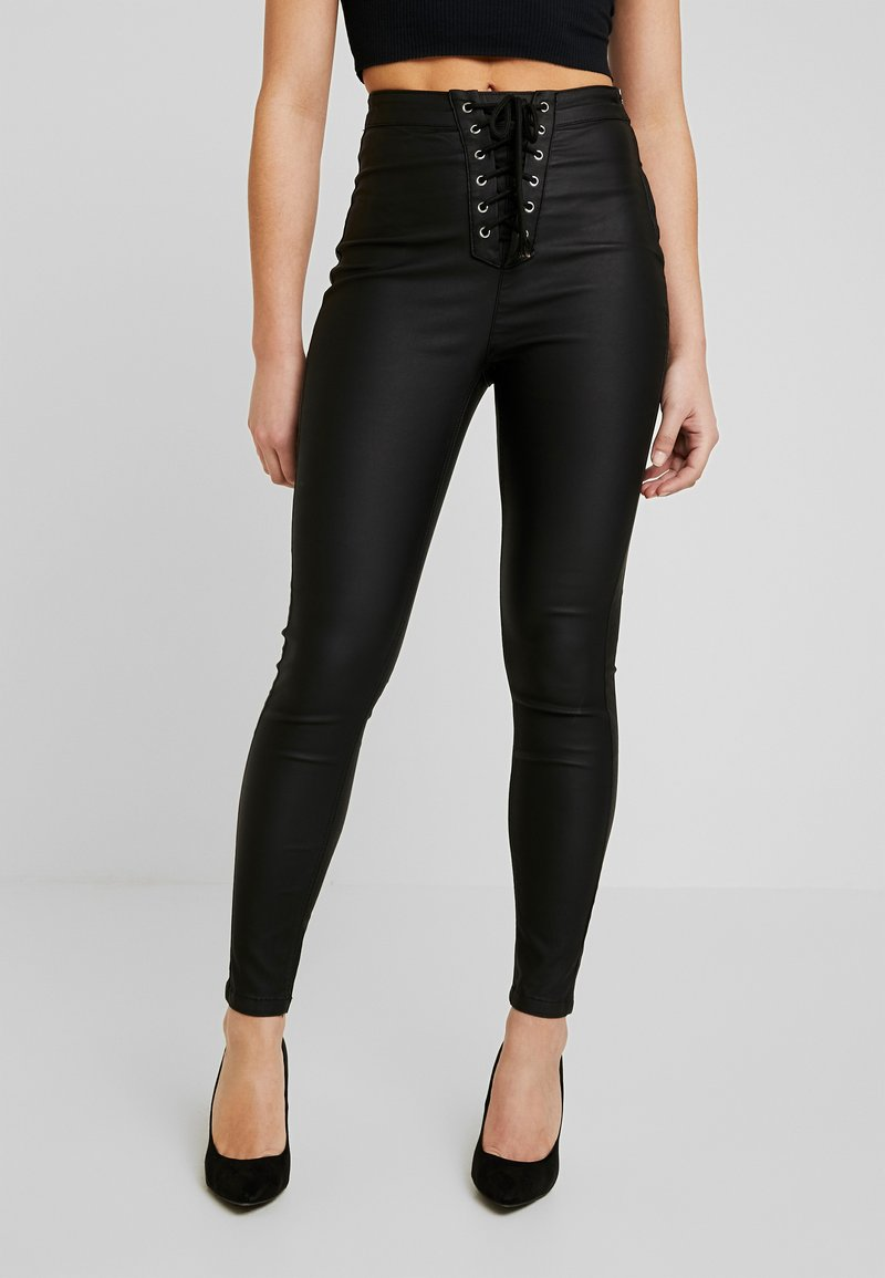 Missguided Petite - VICE COATED  - Pantalones - black