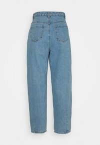 Missguided Petite - SLOUCH HIGHWAISTED PLEAT DETAIL - Jeans baggy - light blue - 1