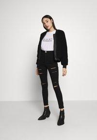 Missguided Petite - VICE HIGH WAISTED - Skinny džíny - black - 1