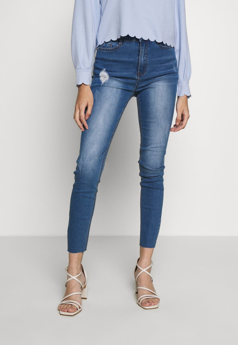 Missguided Petite - SINNER CLEAN DISTRESS - Jeans Skinny Fit - blue