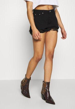 EXTREME FRAY HEM RIOT - Shorts di jeans - black