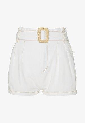 RAFFIA BUCKLE - Shorts - white
