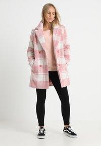 Missguided Petite - Wollmantel/klassischer Mantel - pink - 1